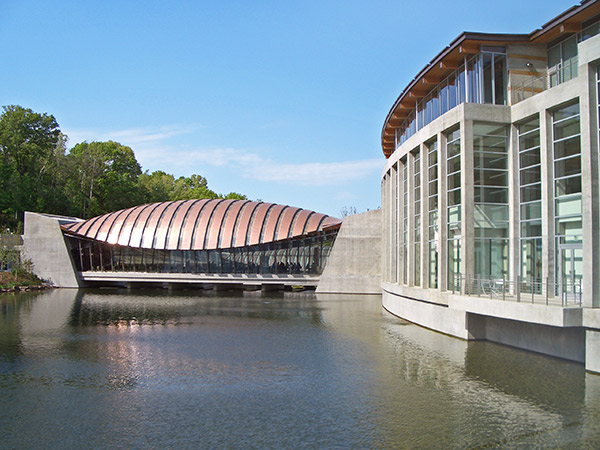 Crystal_Bridges_Museum_of_American_Art--2012-04-12